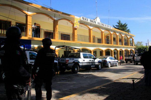 Detiene Fuerza Civil a policías de Acultzingo