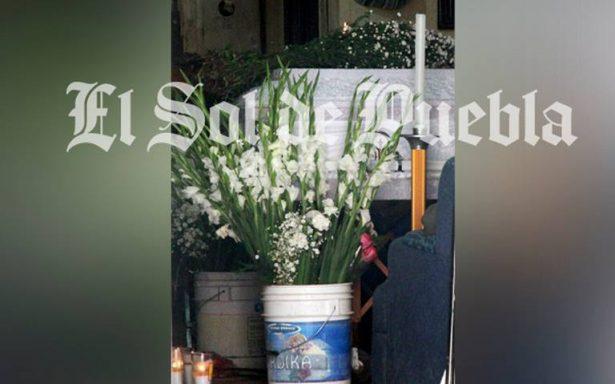 Muere niña de Chiapas por comer pollo descompuesto en Puebla
