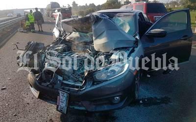Fuerte choque en la autopista Orizaba-Puebla deja dos lesionados