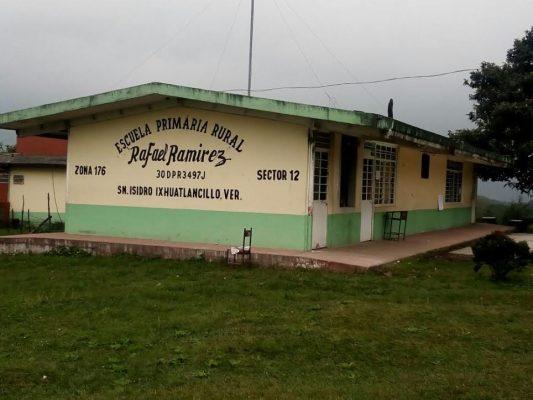 Escuelas impedidas para recibir recursos porque no tienen escrituras