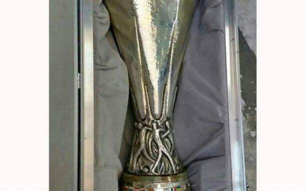 Recuperan Copa Europa League; fue robada en León