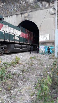 Intentan asaltar de nueva cuenta tren en Acultzingo