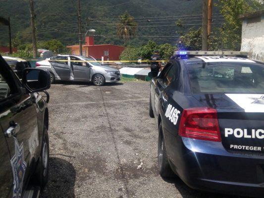 Tras persecución y balacera, comando armado escapa de la policía