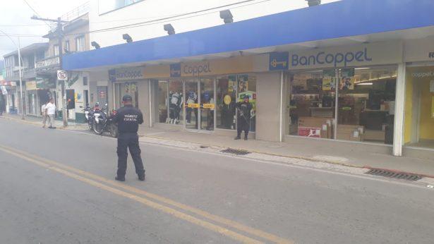 Alerta de bomba en Coppel