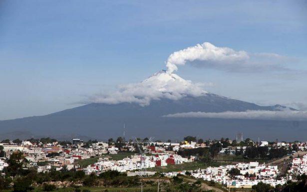 En riesgo 50 mil personas por explosión moderada del volcán Popocatépetl
