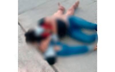 Tiran cuerpos de una pareja en la calle