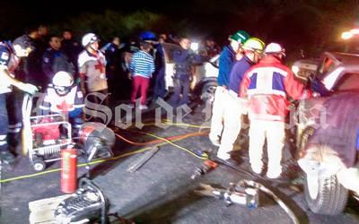 Familia y bebé pierden la vida tras fuerte choque