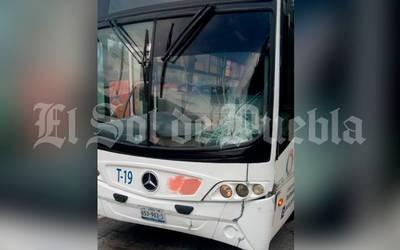 Muere adolescente atropellado por autobús