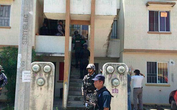 Riña entre vecinos deja un muerto; presuntos responsables se atrincheran en un departamento