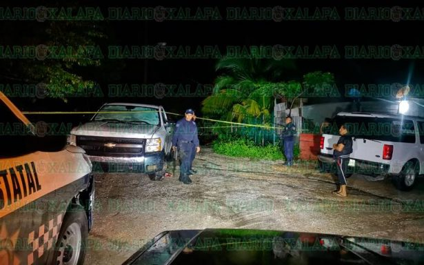 Sicarios atacan en casa: matan a jovencita y hieren a 2 niños