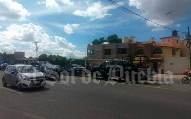Fuego cruzado deja un pasajero muerto en Los Reyes de Juárez