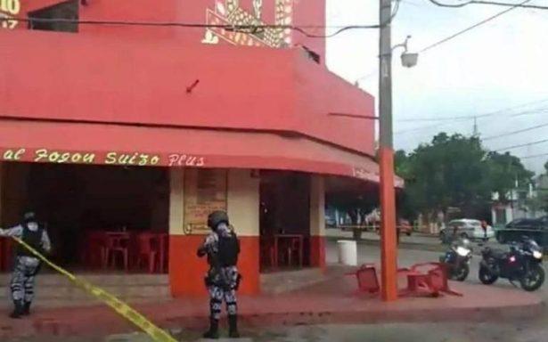 Ejecutan a un hombre dentro de un restaurante