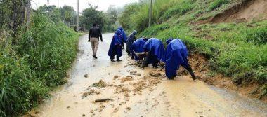 Luego de deslave por lluvias, rescatan seis cuerpos en Oaxaca