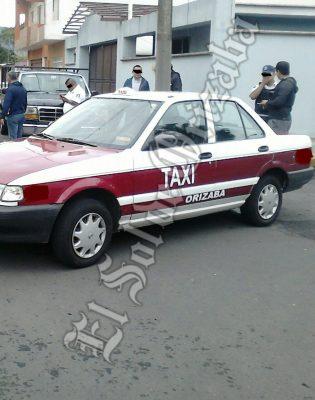 Asaltan a taxista