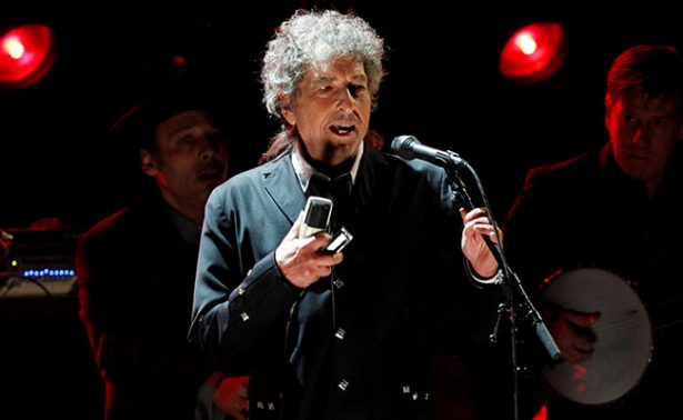 Canciones son para ser cantadas, no leídas: Bob Dylan