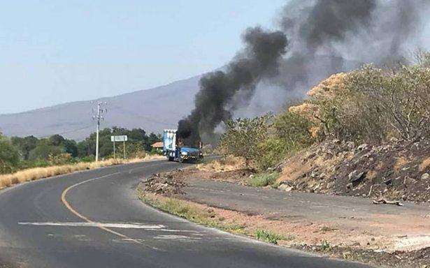 Bloqueos en Michoacán, por detención del líder de Los Viagra: Sales