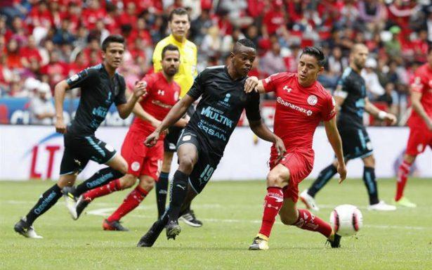 Toluca sufre para vencer 3-2 a Querétaro en casa