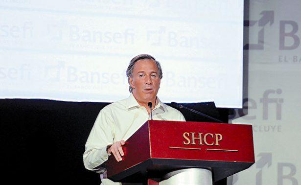 Apoyará Hacienda a migrantes para que inviertan sus remesas
