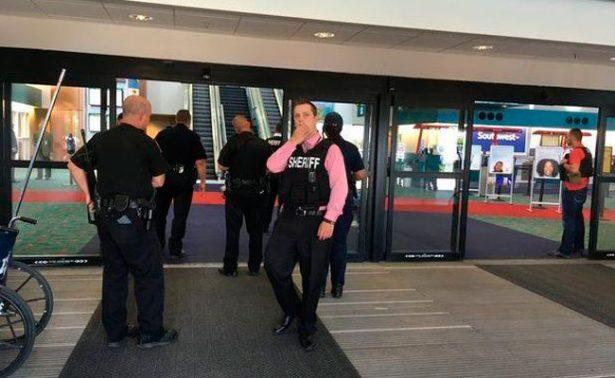 FBI califica ataque en aeropuerto de Michigan como acto terrorista