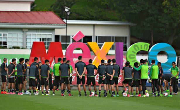 Selección Mexicana viaja a Houston rumbo a la Copa Oro
