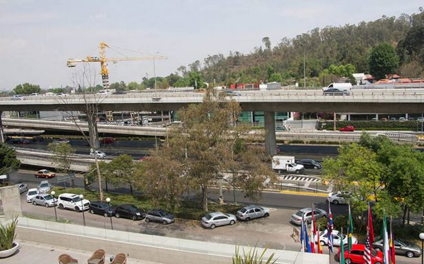 Riobóo reconoce legal adjudicación directa por segundos pisos