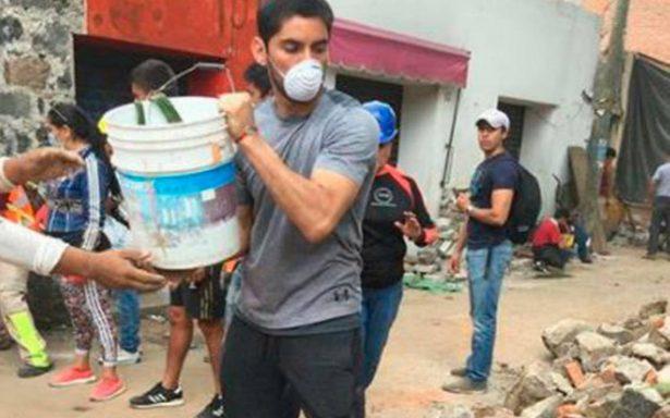 Chuy Corona deja la portería para ayudar en Xochimilco tras sismo