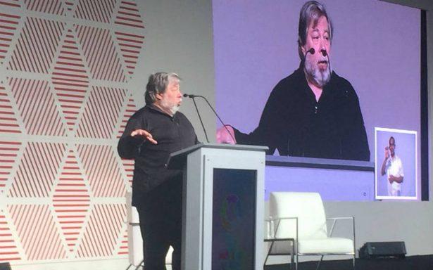 Marketing empresarial, indispensable para las industrias: Wozniak