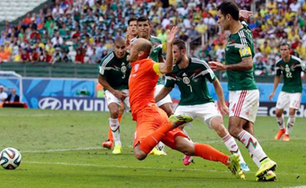 A tres años, lo reiteramos: ¡No era penal! de Robben