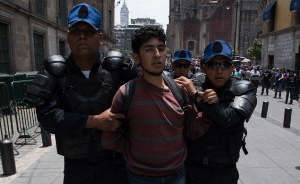 Siete detenidos deja gresca entre grupos antagónicos en Marcha del Orgullo Gay