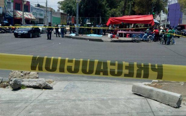Asesinan a dos jóvenes mientras comían en la Benito Juárez