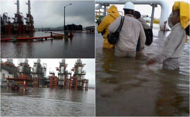 Pemex reanuda operaciones en refinería de Salina Cruz tras inundación