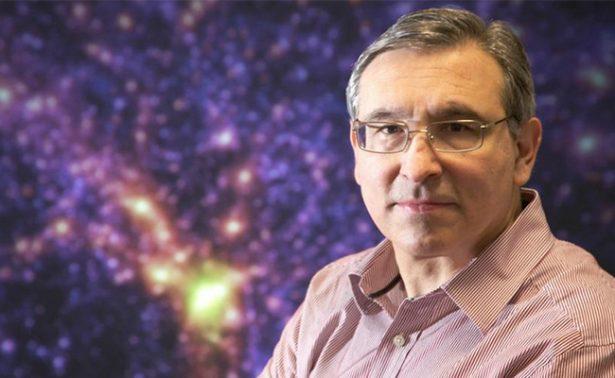 Conoce al astrofísico mexicano condecorado por la reina Isabel II