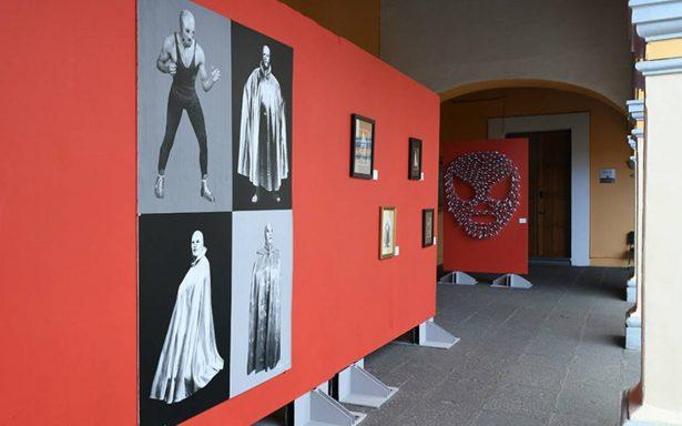 Llega a Puebla la exposición 100 años. Santo, el enmascarado de plata.