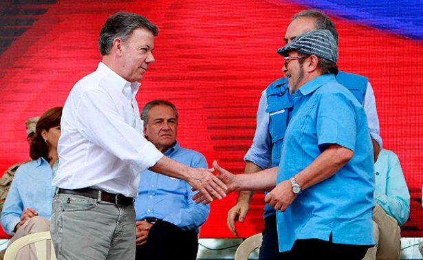 Con desarme de FARC, ya no somos un pueblo enfrentado entre sí: Santos