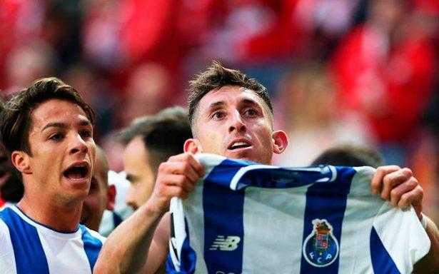 [Video] Héctor Herrera marca un golazo con el que Porto arrebata el liderato a Benfica