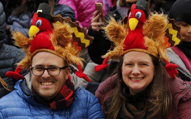 Estadounidenses no quieren saber de política este día de Acción de Gracias