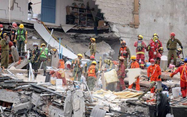 Damnificados y vecinos marcharán este lunes; exigen que no cese la búsqueda en derrumbes