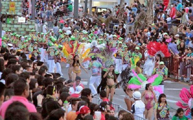 Reina la alegría durante segundo desfile de carnaval
