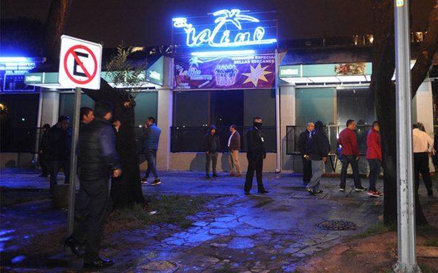 """""""Ciclón"""" de policías clausuran bares en delegaciones Cuauhtémoc y Azcapotzalco"""