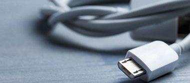 Por curiosidad, adolescente introduce cable USB en sus órganos sexuales