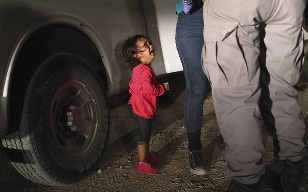 Escucha el estremecedor llanto de niños separados a la fuerza de sus padres en EU