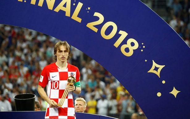 Luka Modric se lleva el balón de oro del Mundial; supera a Hazard y Griezmann