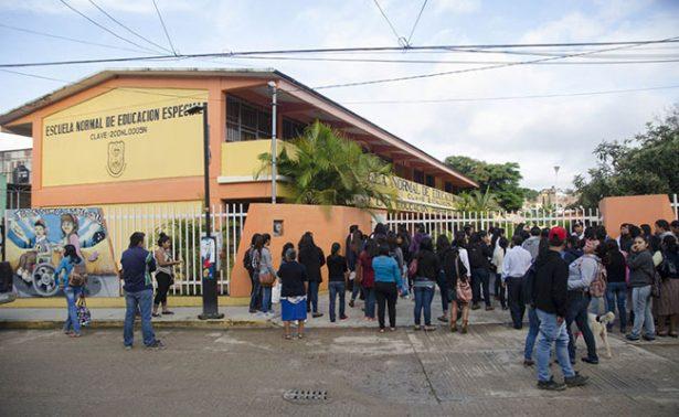 Evalúan a más de mil aspirantes a escuelas normales de Oaxaca