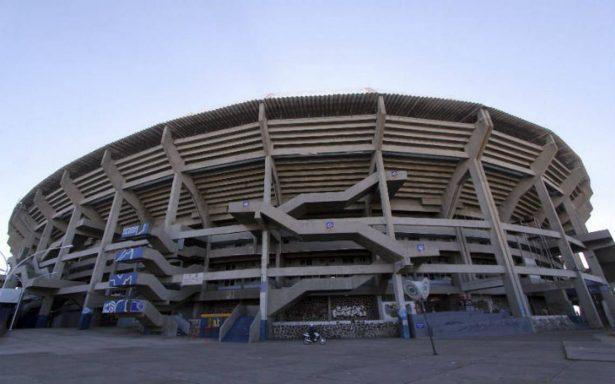 Buscan prohibir fumadores en el estadio Jalisco y el de charros