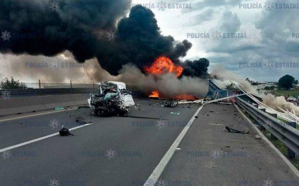 Fatal accidente en Circuito Exterior Mexiquense deja 4 muertos y 7 heridos