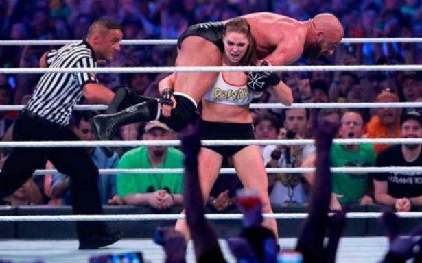 Ronda Rousey y Undertaker se robaron Wrestlemania