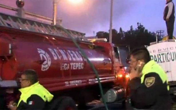 Bomberos controlan incendio en Xalostoc, Ecatepec
