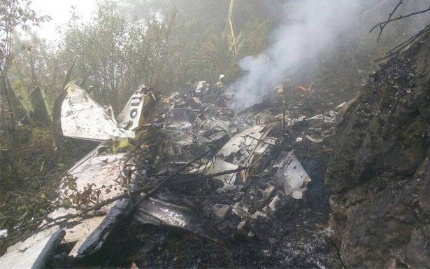 Se desploma avioneta en cerro de Chilpancingo