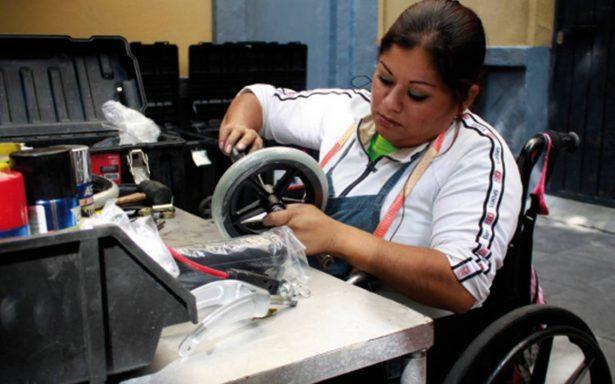 Dependencias federales darán 3% de las plazas a discapacitados