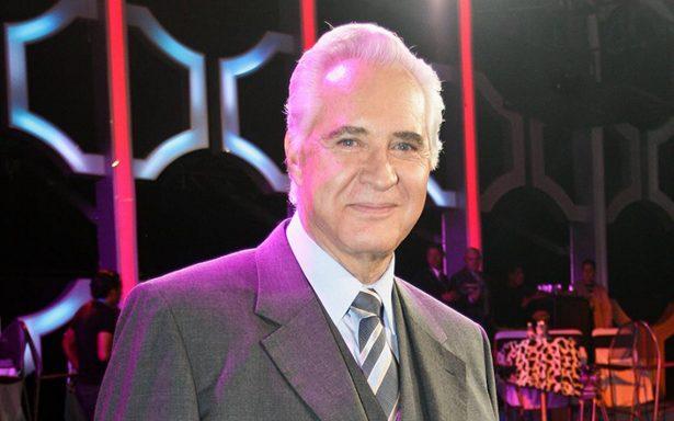 Hospitalizan a Rogelio Guerra por problemas en la vesícula